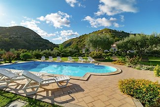 Fabulous Apartment in Gasponi Italy with Shar...
