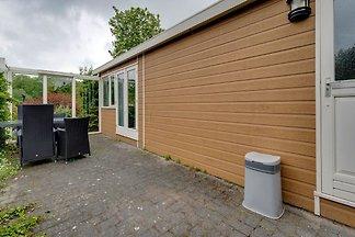 Bequemes Ferienhaus in Hulshorst mit Garten
