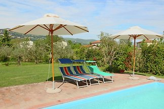Beautiful holiday home with view over Cortona...