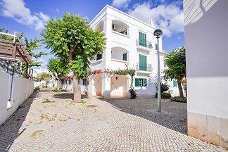 Acogedor apartamento en Cabanas con jardín