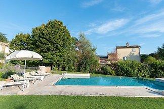 Storica ed elegante villa con piscina privata...