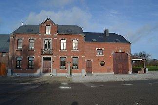 Modernes Ferienhaus in Cul-des-Sarts in...