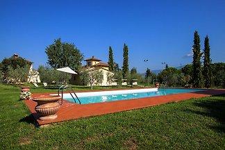 Ruhig gelegene Villa in Cortona mit Whirlpool