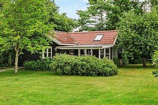 Schönes Ferienhaus in Hejls mit Garten