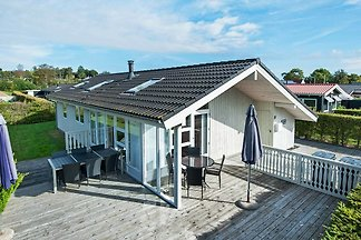 Gemütliches Ferienhaus in Børkop mit überdach...