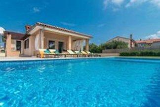 Moderne Villa, 2 km vom Meer entfernt, mit pr...