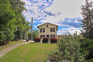 Rustikale Villa in Piticchio mit wunderschöne...
