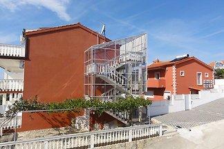 Schöne Wohnung in Okrug Gornji in der Nähe vo...