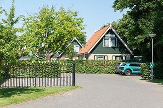 Attraktives Haus, sonnige Terrasse im großen...