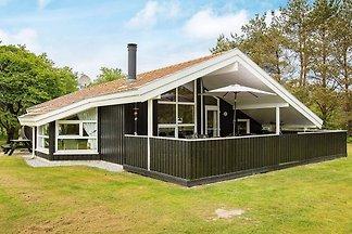 Modernes Ferienhaus auf Jütland mit überdacht...