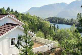 5 Personen Ferienhaus in GURSKØY