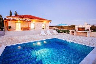 Urokliwy dom wakacyjny z prywatnym basenem i ...