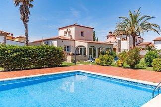 Traumhafte Villa in Torroella de Fluvià, Kata...