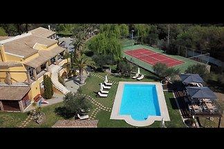 Geräumige Villa auf Korfu mit privatem Pool