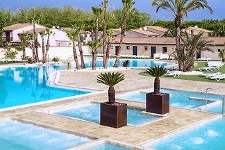 Ferienhaus im mediterranen Stil, 200 m vom St...