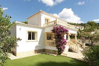 Charmante Villa mit privatem Swimmingpool in...