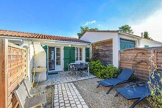Cozy Holiday Home in Sainte-Marie-de-Ré near...