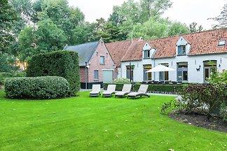 Idyllisches Cottage mit Terrasse in Brügge