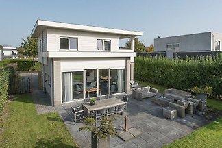 Luxusvilla in Harderwijk mit Garten direkt am...