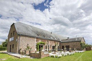 Großzügiges Ferienhaus in Houyet mit Garten