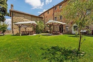 Rustic Holiday Home in Città di Castello with...