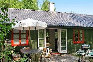 Rustikales Ferienhaus in Nexø mit Schwimmbad