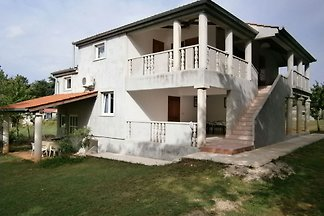 Boutique-Apartment in Banjole mit Pool