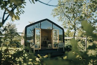 Schöne Hütte aus Pappe, im Badeort Ouddorp