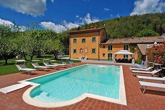 Deliziosa villa con sauna a Pistoia