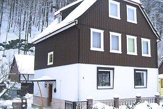 Geräumiges Ferienhaus in Zorge in Waldnähe