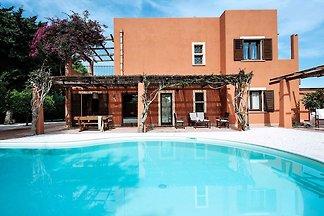 Beautiful villa with pool situated near Marsa...