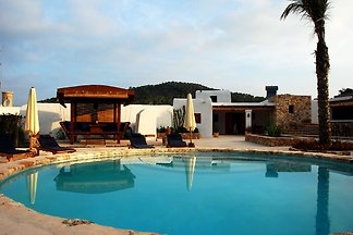 Spacious Villa in Balearic Islands with Swimm...