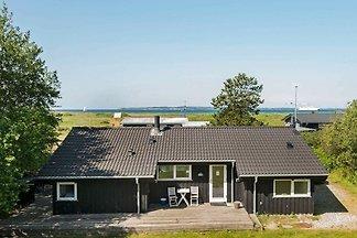 Hübsches Cottage mit Sauna in Ebeltoft