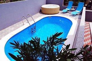 Moderne Villa in Dramalj mit Pool