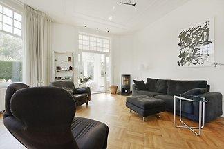 Luxuriöse Villa in Haarlem mit zwei Teichen