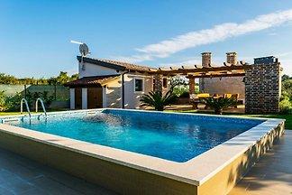 Luxuriöses Ferienhaus in Fažana mit...