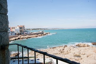 Luxury Apartment in L'Escala Catalonia with B...