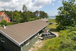 Geräumiges Ferienhaus in Nexo mit Sauna