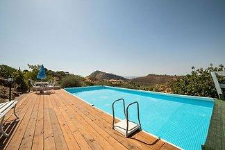 Villa mit Pool inmitten der Natur im Herzen...