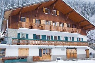 Chalet cosy à Chatel, Alpes françaises, domai...