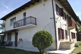 Bequemes Ferienhaus in Moncucco Torinese mit...