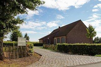 Komfortable Villa in Peer mit Garten