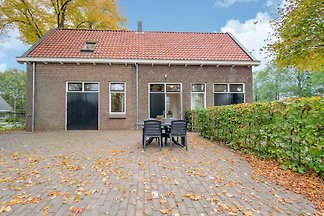 Gemütliches Ferienhaus am Kanal in Dwingeloo