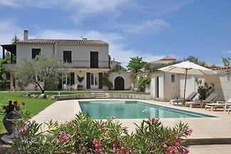 Atemberaubende Villa mit Pool in...