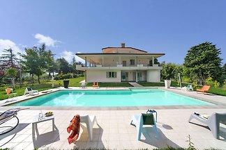 Luxuriöse Villa in Tavullia mit Swimmingpool ...
