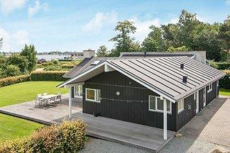 Luftiges Ferienhaus in Jütland mit Sauna