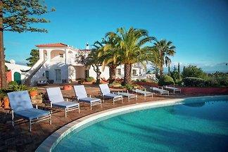 Schöne Villa an der Algarve mit Swimmingpool