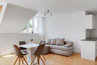 Elegant Apartment in Vienna with Patio