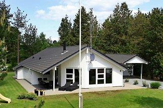 Modernes Ferienhaus in Oksbøl mit Sauna