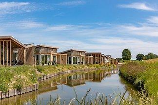 Wolnostojący, luksusowy, zrównoważony bungalo...
